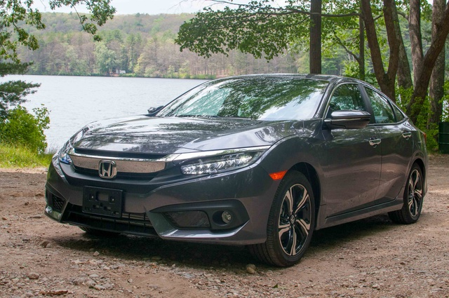 Picture of 2016 Honda Civic Touring