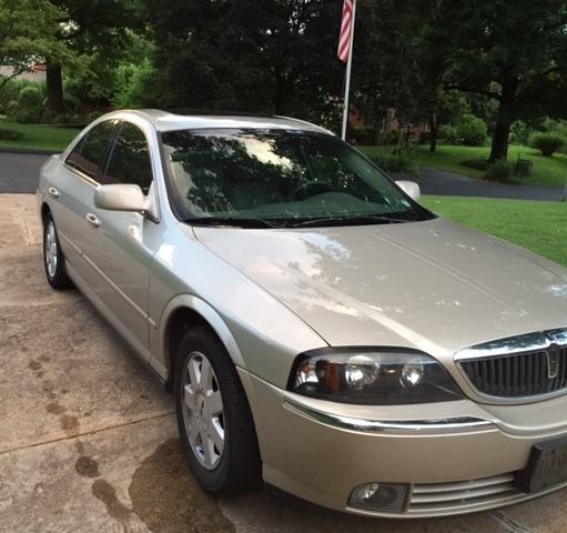 Lincoln Navigator V6: 2004 Lincoln LS