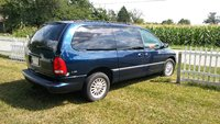Picture of 2000 Chrysler Town & Country LXi, exterior