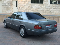 1992 Mercedes-Benz 400-Class Overview