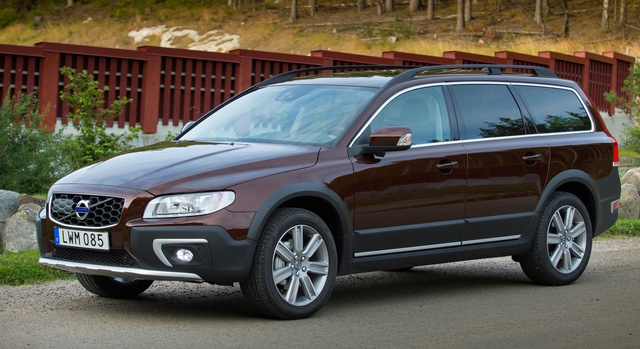 2016 Volvo XC70, Front-quarter view, exterior, manufacturer