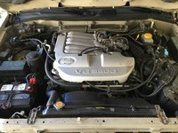 Picture of 2001 Nissan Pathfinder LE, engine