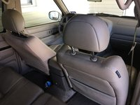 Picture of 2001 Nissan Pathfinder LE, interior