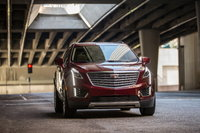 2017 Cadillac XT5, Front-quarter view. Copyright General Motors., exterior, manufacturer, gallery_worthy