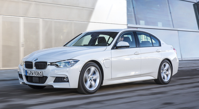 2017 BMW 3 Series, Front-quarter view., exterior, manufacturer