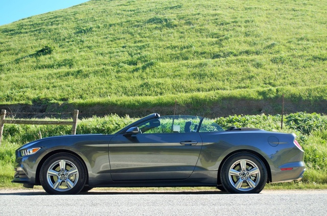2015 ford mustang v6 convertible shrey owns this ford mustang check it. Black Bedroom Furniture Sets. Home Design Ideas