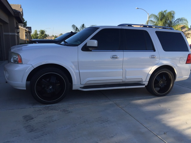 Picture of 2003 Lincoln Navigator Luxury