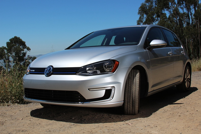 Picture of 2016 Volkswagen e-Golf