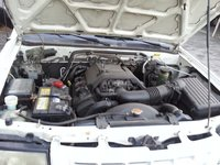 Picture of 1999 Isuzu Rodeo 4 Dr S V6 SUV, engine