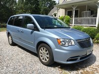 Picture of 2013 Chrysler Town & Country Touring, exterior