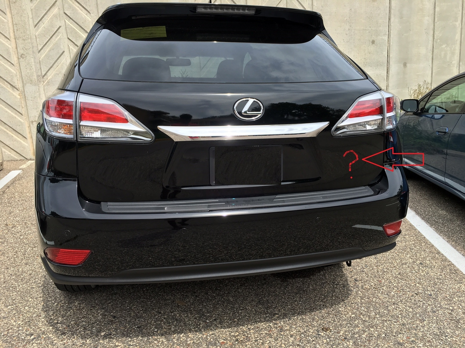 Lexus RX 350 Questions - RX350 model badge is missing on my 2015 ...