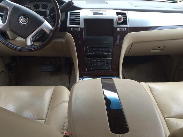2011 Cadillac Escalade Esv Pictures Cargurus