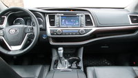 Picture of 2015 Toyota Highlander Hybrid Limited, interior