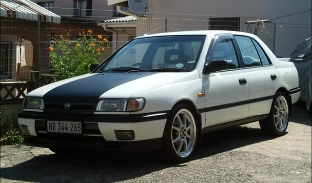 Picture of 1994 Nissan Sentra