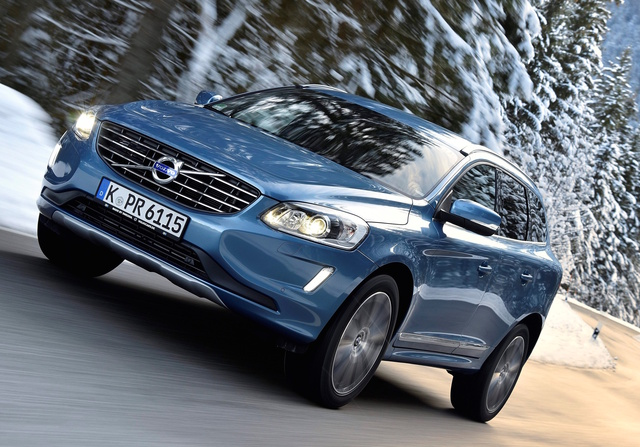 2017 Volvo XC60, Front-quarter view., exterior, manufacturer