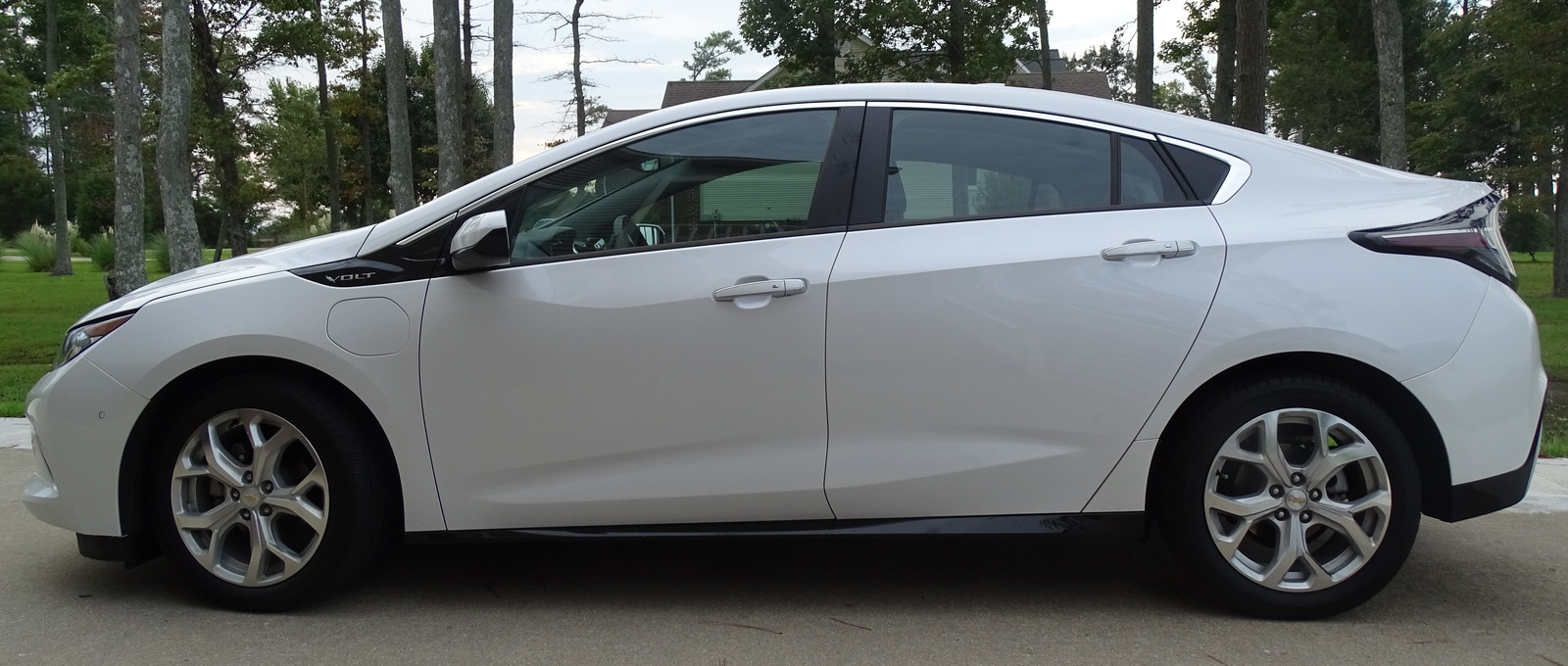 Picture of 2017 Chevrolet Volt Premier