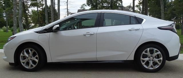 Picture of 2017 Chevrolet Volt Premier