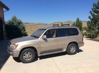 2001 Lexus LX 470 Picture Gallery