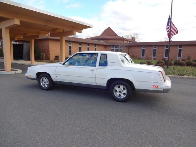 Picture of 1986 Oldsmobile Cutlass Supreme