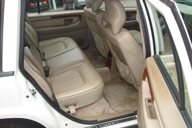 1998 Volvo V90 - Interior Pictures - CarGurus