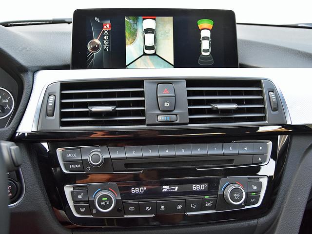 2016 BMW 3 Series 340i Sedan RWD, 2016 BMW 340i surround view camera display, interior, gallery_worthy