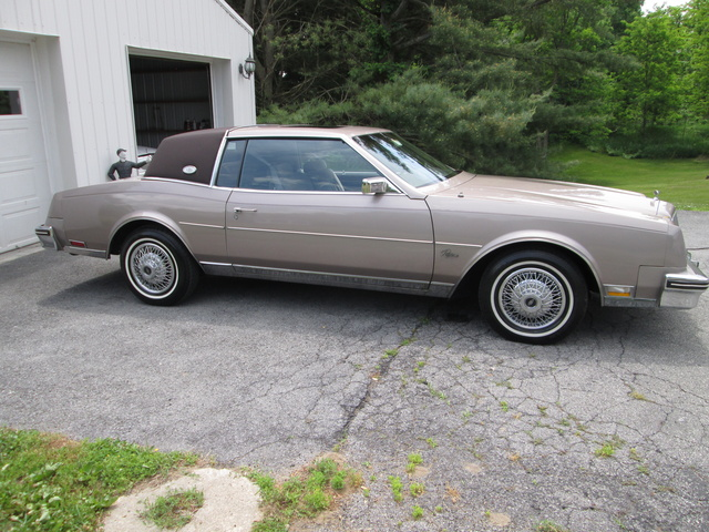 Picture of 1984 Buick Riviera Coupe RWD, exterior, gallery_worthy