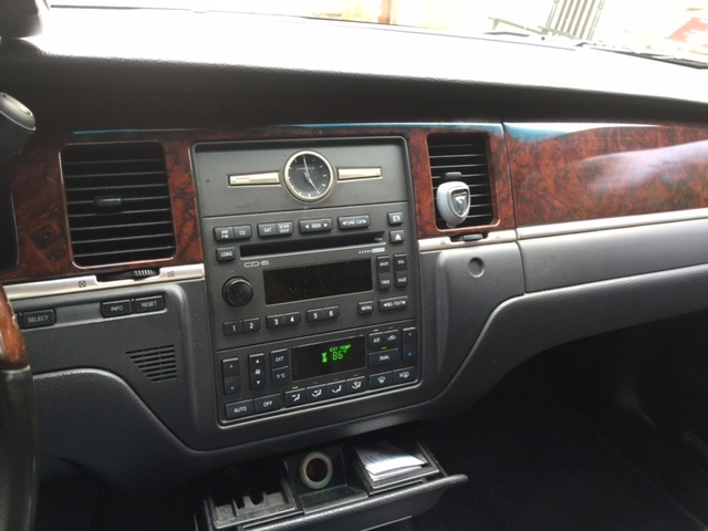 2009 Lincoln Town Car Pictures Cargurus