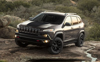 2017 Jeep Cherokee, Front-quarter view., exterior, manufacturer, gallery_worthy