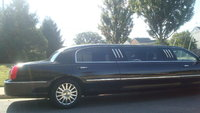 Picture of 2004 Lincoln Town Car Executive, exterior