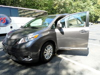 Picture of 2015 Toyota Sienna XLE 8-Passenger, exterior, gallery_worthy