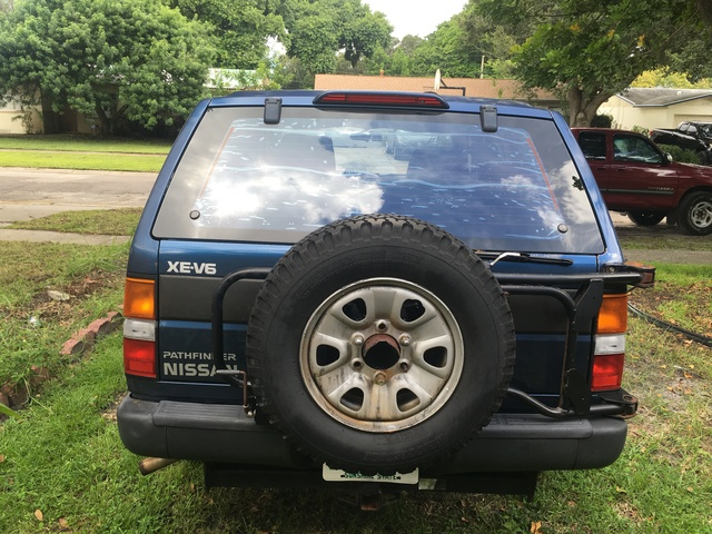 Picture of 1993 Nissan Pathfinder 4 Dr XE SUV