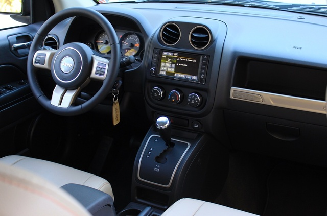 Interior of the 2016 Jeep Compass, interior, gallery_worthy