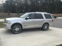 Picture of 2011 Lincoln Navigator Base, exterior