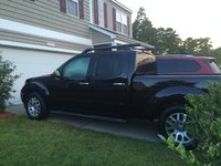 Picture of 2010 Nissan Frontier LE Crew Cab