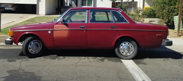 Picture of 1974 Volvo 240