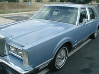 Picture of 1984 Lincoln Town Car Signature, exterior