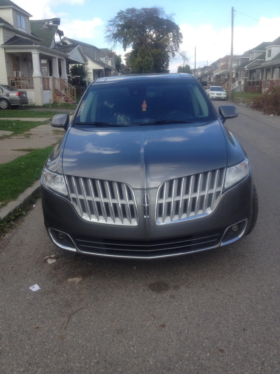 Picture of 2017 Lincoln MKT 3.5L Elite AWD