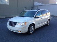 Picture of 2008 Chrysler Town & Country Limited, exterior