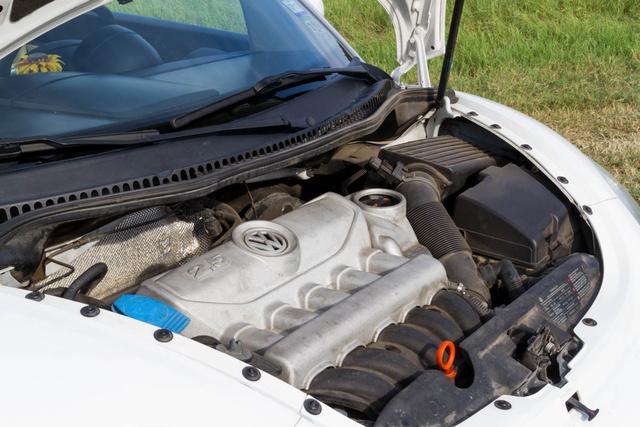 Picture of 2010 Volkswagen Beetle 2.5L, engine