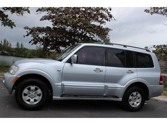 Picture of 2004 Mitsubishi Montero Limited 4WD