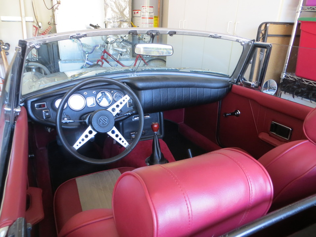 Picture of 1971 MG MGB Roadster, interior