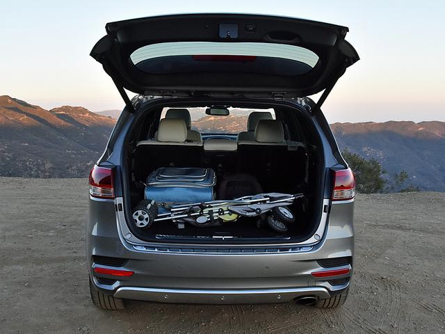 2017 Kia Sorento V6 SX Limited AWD, 2017 Kia Sorento SX Limited cargo area, interior, gallery_worthy