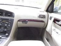 Picture of 2004 Volvo V70 2.5T