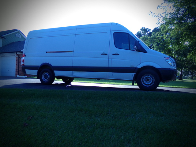 Picture of 2012 Freightliner Sprinter Cargo 2500 LWB