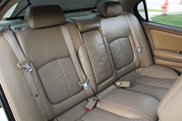 Infiniti I Dr Touring Sedan Pic X on 2000 Infiniti Qx4 Interior
