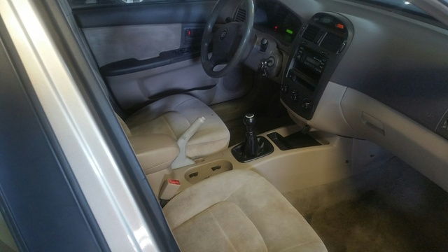 Picture of 2004 Kia Spectra Base, interior