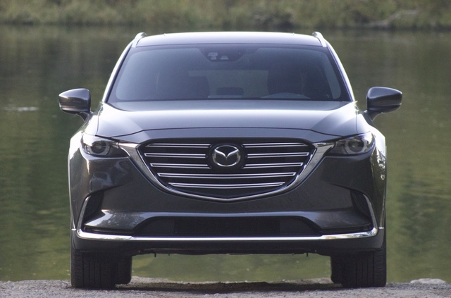 Exterior of the 2016 Mazda CX-9