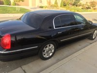 Picture of 2011 Lincoln Town Car Executive L