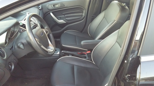 Picture of 2013 Ford Fiesta Titanium, interior