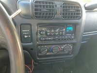 Picture of 2001 GMC Sonoma SLS Extended Cab Short Bed 2WD, interior